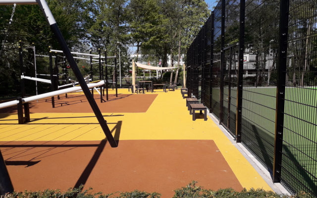 multifunctionele speel- en sportplek