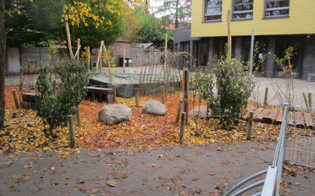 groenblauw schoolplein